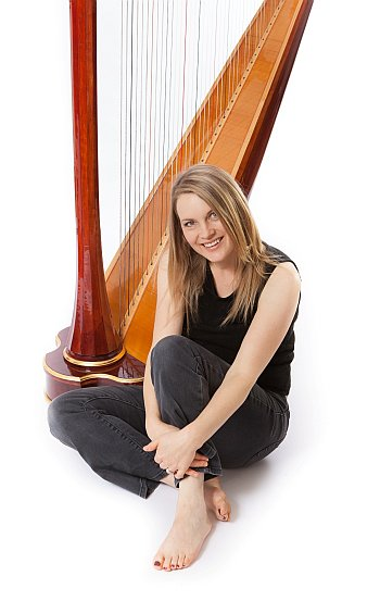 Karina Bell Harpist | Harp Player for Weddings and Special Occasions Oxford, Oxfordshire UK